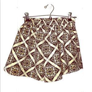 Wild Pearl XS Maxi Shorts